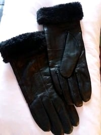 Ladies size 8.  Leather gloves.