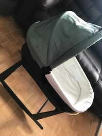 UPPAbaby  bassinet with stand base serious buyer please and is pick up only