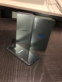 Mint Samsung galaxy s8 64gb with otter box alpha glass screen protector Vaughan, L6A 4C2