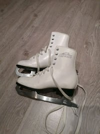Skates size 2  Richmond Hill, L4S 1X1