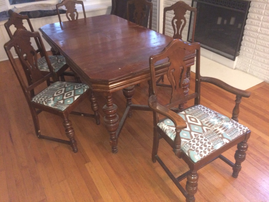 1920s 1930s Antique 6 Leg Spindle Dining Room Table With Leaf