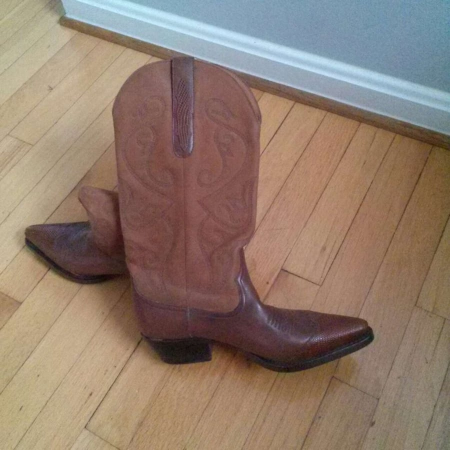 Nordstrom leather cowgirl boots ladies size 7.5 m d93fba1f-1fc7-45a1-8be0-557684ca355f