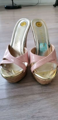 Liliana Wedge Sandals Size 5 Toronto, M6A 0B1