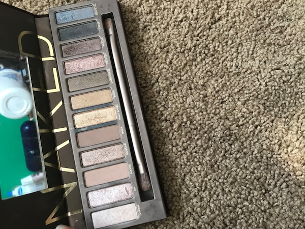 Authentic Urban Decay Naked palette