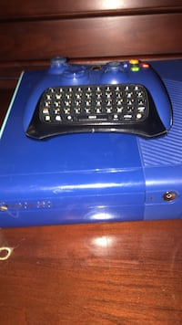 Blue xbox 360 console and controller with chatpad San Jose, 95111