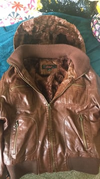 Brown leather zip-up jacket woman's size L Martinsburg, 25403