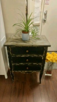 Privilege accent table with 3 drawer Toronto, M4P 1V5