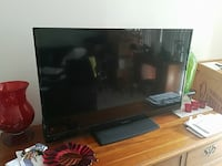TV 40 INCH insignia,like new  North Hills, 91343