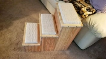 Pet steps with storage (clear coated)