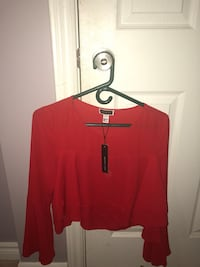 Red crop top with bell sleeves Ottawa, K4A 0J3