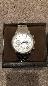 white and silver Michael kors chronograph watch with silver link in box Fairfax