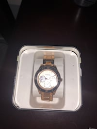 BRAND NEW ROSE GOLD FOSSIL WATCH 3738 km