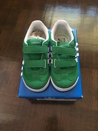 New Adidas sneakers toddler size 6 Laval, H7L 1K4