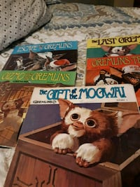 Gremlins  story books and 45 rpm records