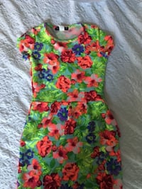 Yellow, green, and pink floral sleeveless dress medium size CHICAGO