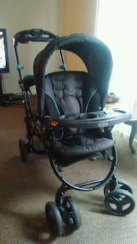 baby's black and gray stroller Vista, 92083
