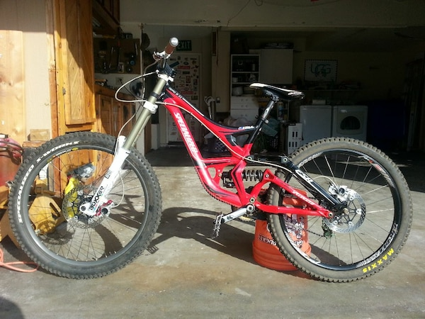 2010 Specialized Demo 8 II
