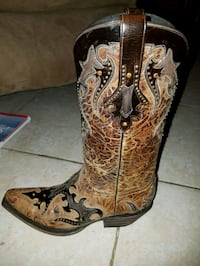 Luchasse cowboy boots