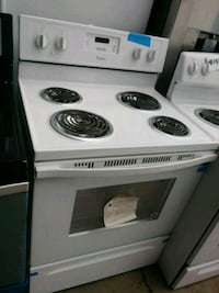 New scratch and dent whirlpool electric stove Baltimore, 21223