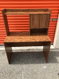 Small Desk with a Hutch, Excellent Condition, Cheap Price! Toronto