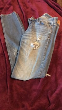 Hollister Ripped Jeans  Greencastle, 46135