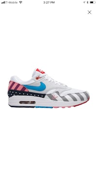 unpaired white and black Nike Air Max shoe Los Angeles, 91325