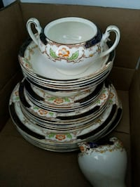 white and green floral ceramic dinnerware set Toronto, M1S 0G4
