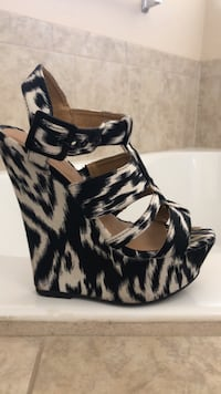 black and white leather open-toe ankle strap heels 1703 mi