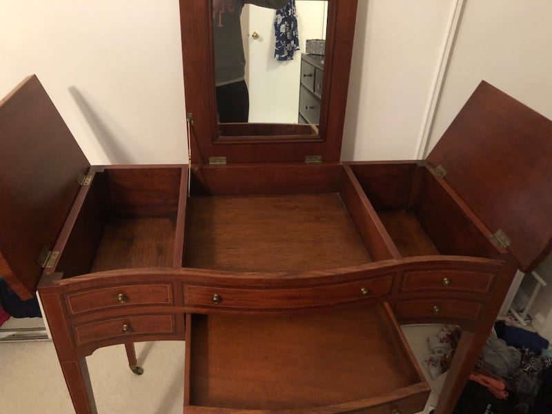 PENDING - Beautiful Vanity with Lots of Storage 8bf1abf8-8553-4dd5-b2c4-ce134f6eb594