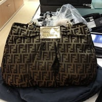 BEAUTIFUL FENDI BAG-LITERALLY LIKE NEW -EXCELLENT CONDITION-PAID $1,800 West Babylon, 11704