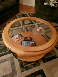 Round glass coffee table and 2 square end tables   Emmaus, 18049