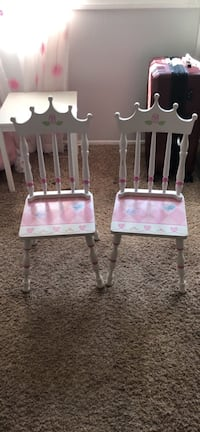 Disney Princess Chairs with table