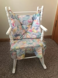 Little girls rocking chair 606 mi