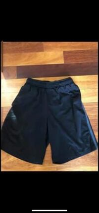 Young men's athletic shorts size small 28/30