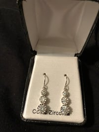 Sterling silver CZ earings Minneapolis, 55408