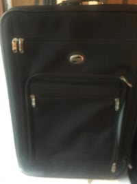 In great condition medium luggage Mississauga, L5J 4E6