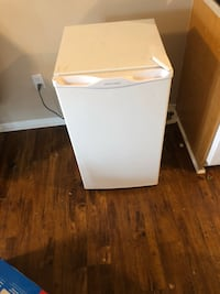 white single-door refrigerator Waterloo, N2V