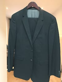 Black Hugo boss suit 40R Toronto, M8Z 3R3