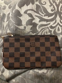 Damier ebene louis vuitton leather wristlet Ottawa, K4A