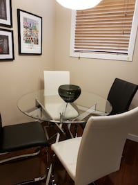 Dining Room Table and Chairs Calgary