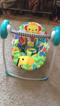 Battery powered baby swing barely used! 6 speed settings San Marcos, 92069
