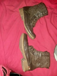 Forever 21 women's shoes/boots 5y Jeffersonville, 47130