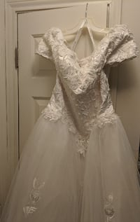 Pre-Owned Wedding Dress Centreville