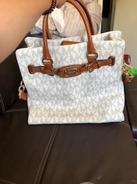 monogrammed white and brown Michael Kors leather tote bag Wahiawa, 96786