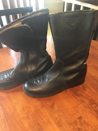 Pair of black leather motorcycle boots Winchester, 22602