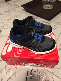 pair of black-and-blue Nike running shoes Hamilton, L8R 1G7