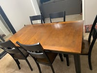 Dining room table with 6 chairs Loveland, 45140