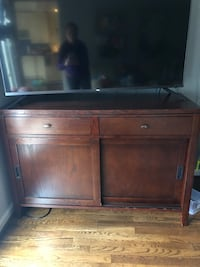 Sideboard / media console price negotiable Potomac, 20854