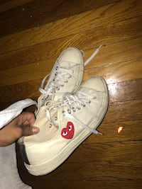 Pair of white converse all star low-top sneakers cdg New York, 11104