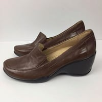 pair of brown leather slip-on shoes Coquitlam, V3B 0B9